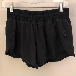 Lululemon black shorts, sz 8, 64173